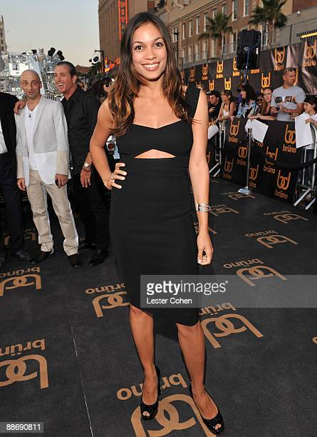 Actress Rosario Dawson arrives on the red carpet of the Los Angeles premiere of 'Bruno' at the Grauman's Chinese Theatre on June 25 2009 in Hollywood...