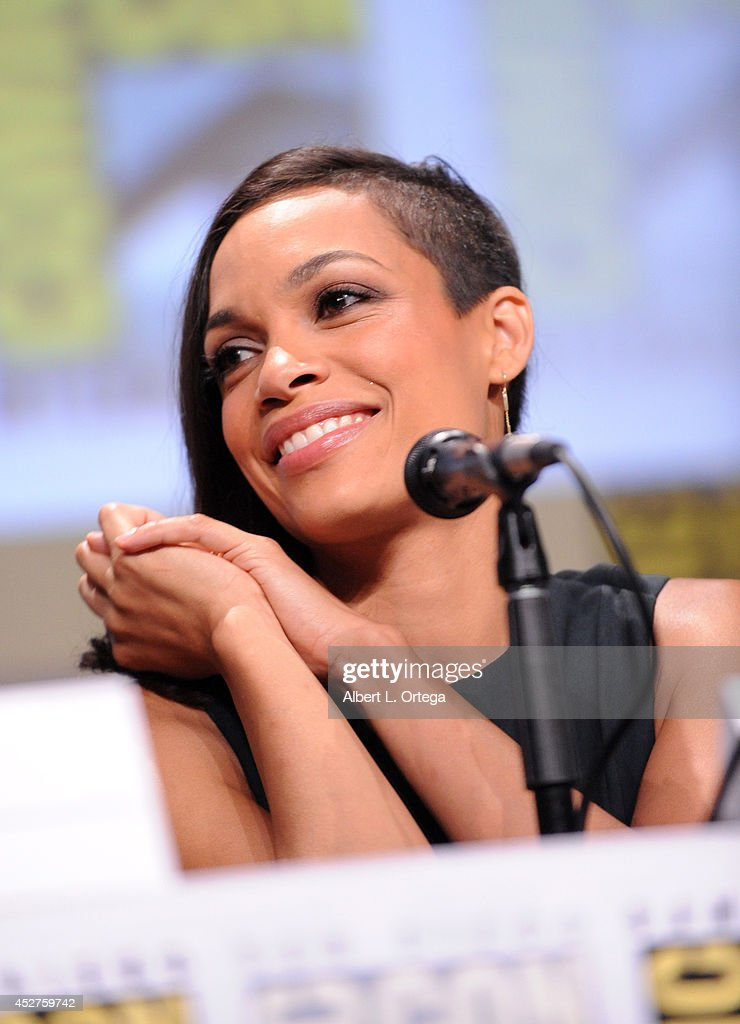 Actress <a gi-track='captionPersonalityLinkClicked' href=/galleries/search?phrase=Rosario+Dawson&family=editorial&specificpeople=201472 ng-click='$event.stopPropagation()'>Rosario Dawson</a> attends 'Frank Miller's Sin City: A Dame To Kill For' panel during Comic-Con International 2014 at San Diego Convention Center on July 26, 2014 in San Diego, California.