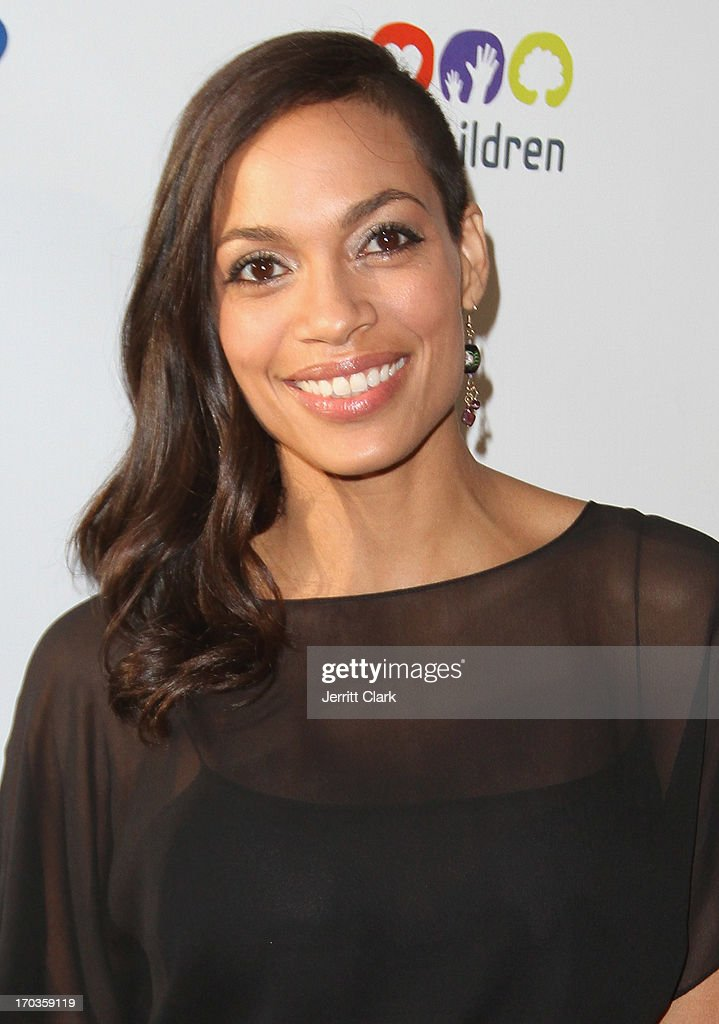 Actress <a gi-track='captionPersonalityLinkClicked' href=/galleries/search?phrase=Rosario+Dawson&family=editorial&specificpeople=201472 ng-click='$event.stopPropagation()'>Rosario Dawson</a> attends Samsung Hope For Children 12th Annual Gala at Cipriani Wall Street on June 11, 2013 in New York City.