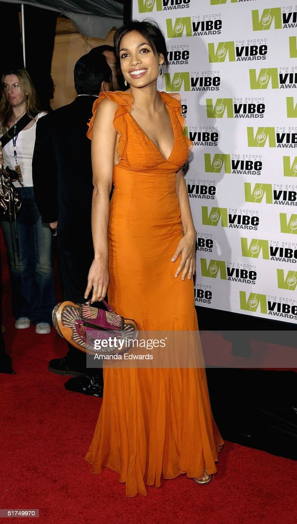 Actress <a gi-track='captionPersonalityLinkClicked' href=/galleries/search?phrase=Rosario+Dawson&family=editorial&specificpeople=201472 ng-click='$event.stopPropagation()'>Rosario Dawson</a> attends the 2004 Vibe Awards at Barker Hangar November 15, 2004 in Santa Monica, California.