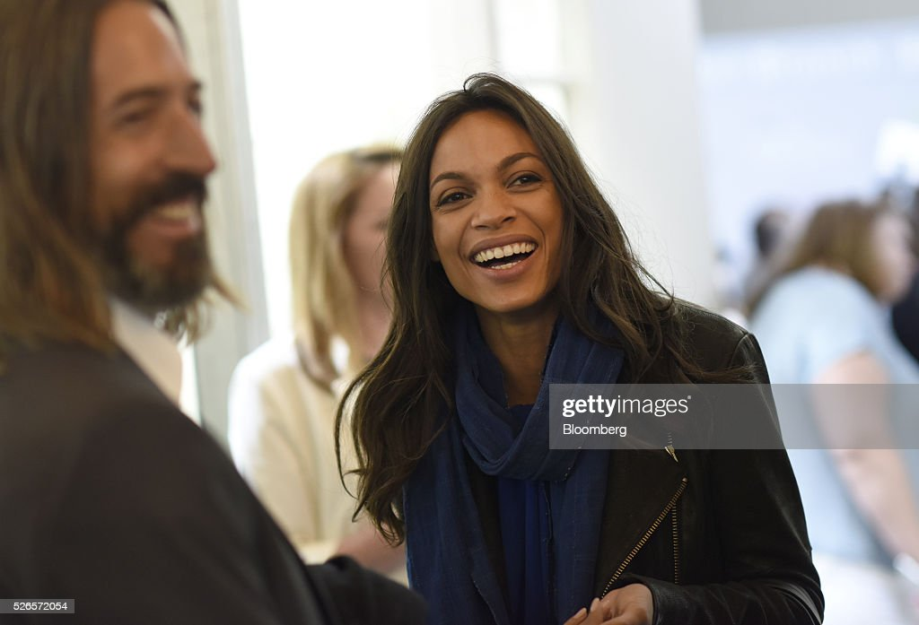 Actress Rosario Dawson attends the 23rd Annual White House Correspondents' Garden Brunch in Washington, D.C., U.S., on Saturday, April 30, 2016. The event will raise awareness for Halcyon Incubator, an organization that supports early stage social entrepreneurs 'seeking to change the world' through an immersive 18-month fellowship program. Photographer: David Paul Morris/Bloomberg via Getty Images