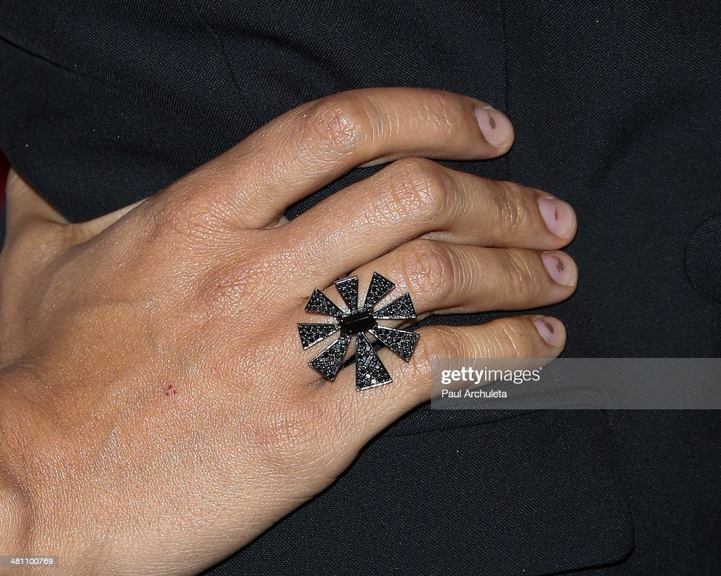 Actress <a gi-track='captionPersonalityLinkClicked' href=/galleries/search?phrase=Rosario+Dawson&family=editorial&specificpeople=201472 ng-click='$event.stopPropagation()'>Rosario Dawson</a> (Jewelry Detail) attends the Cesar Chavez Foundation's 2014 Legacy Awards dinner at Millennium Biltmore Hotel on March 28, 2014 in Los Angeles, California.