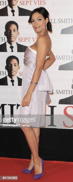 Actress Rosario Dawson attends the Paris Photocall of Seven Pounds at the Gaumont ChampsElysees on January 5 2009 in Paris France