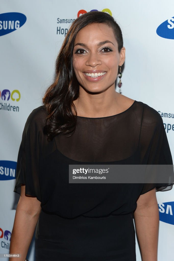 Actress <a gi-track='captionPersonalityLinkClicked' href=/galleries/search?phrase=Rosario+Dawson&family=editorial&specificpeople=201472 ng-click='$event.stopPropagation()'>Rosario Dawson</a> attends the Samsung's Annual Hope for Children Gala at Cipriani's in Wall Street on June 11, 2013 in New York City.