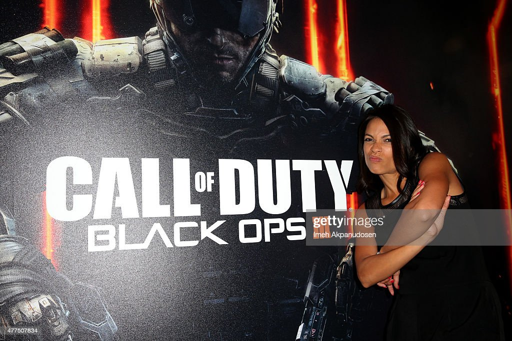 Rosario dawson and other celebrities visit activision 39 s - Call center rosario ...