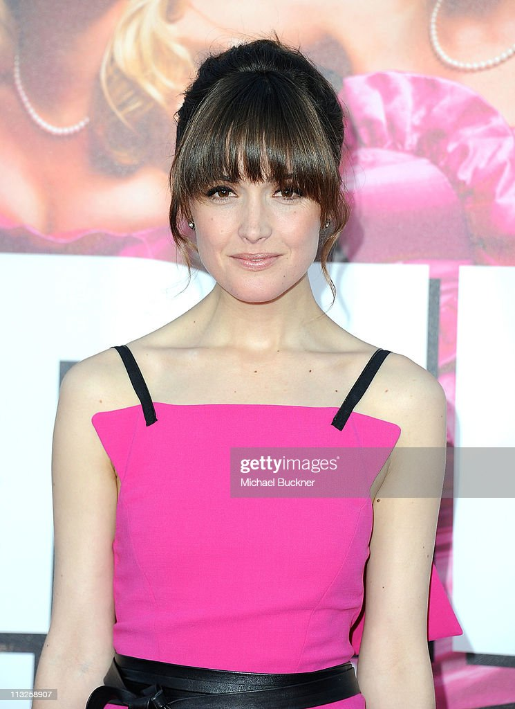 Actress <a gi-track='captionPersonalityLinkClicked' href=/galleries/search?phrase=Rose+Byrne&family=editorial&specificpeople=206670 ng-click='$event.stopPropagation()'>Rose Byrne</a> arrives at the Premiere of Universal Pictures' 'Bridesmaids' at the Mann Village Theatre on April 28, 2011 in Westwood, California.