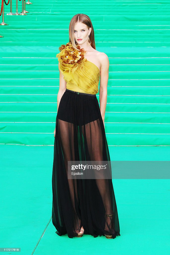 Actress Rosie HuntingtonWhiteley arrives at the premiere of the 'Transformers Dark of the Moon' during the 33d Moscow International Film Festival at...