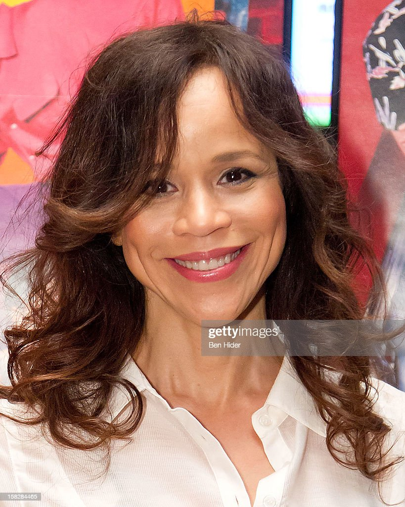 Actress Rosie Perez attends The Museum of Modern Art's Jazz Interlude Gala at MOMA on December 12, 2012 in New York City.