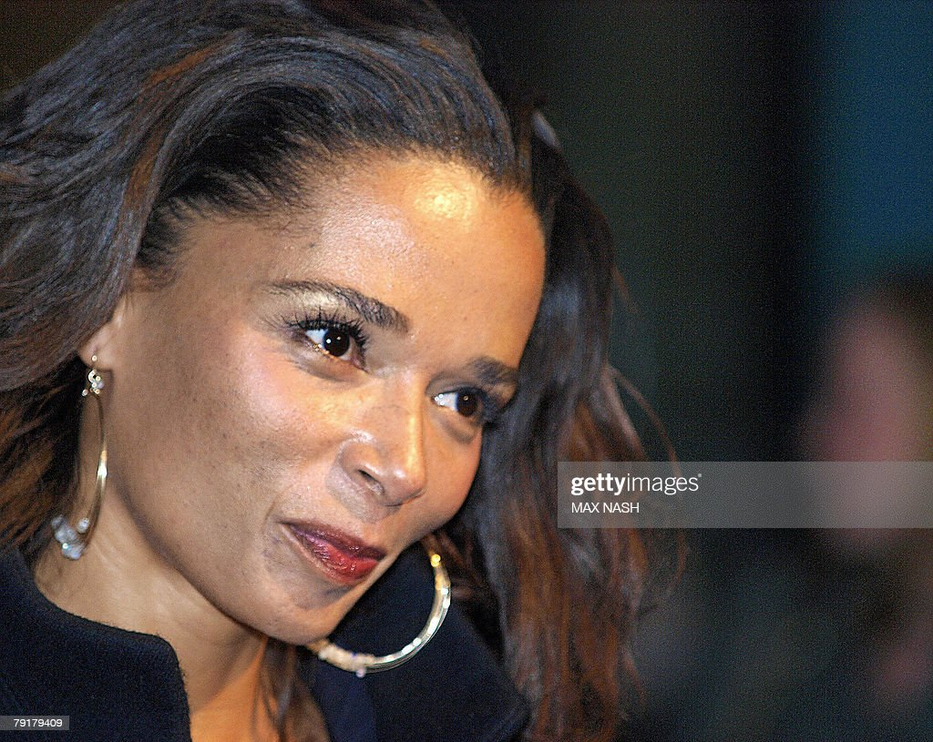 US actress Rowena King arrives in London's Leicester Square, 23 January 2008, to attend the British Premiere of her latest film, The Bucket List. AFP PHOTO / Max Nash
