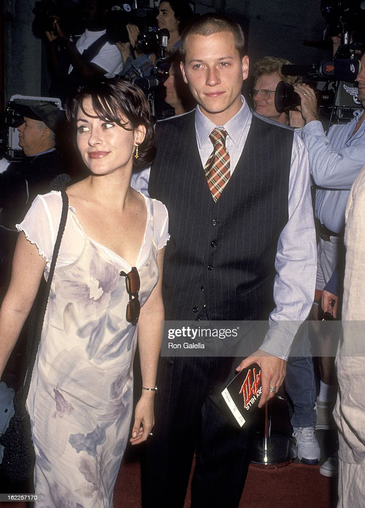 Actress Roxanne Zal and actor Corin Nemec attends the 'Beverly Hills Cop III' Hollywood Premiere on May 22, 1994 at Mann's Chinese Theatre in Hollywood, California.
