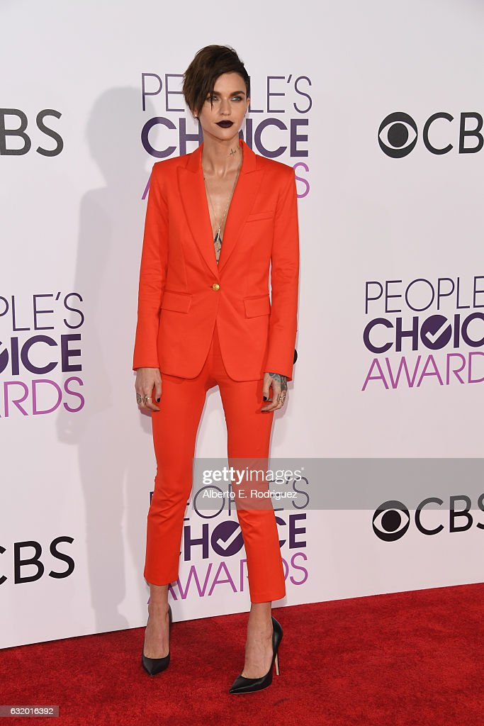 actress-ruby-rose-attends-the-peoples-choice-awards-2017-at-microsoft-picture-id632016392
