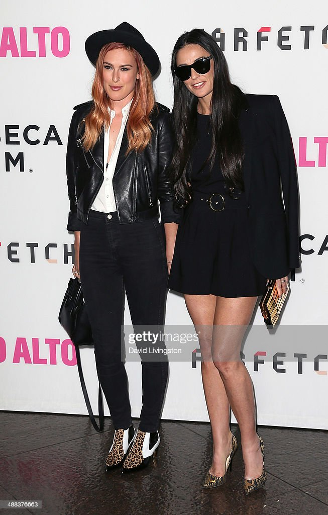 Actress <a gi-track='captionPersonalityLinkClicked' href=/galleries/search?phrase=Rumer+Willis&family=editorial&specificpeople=617003 ng-click='$event.stopPropagation()'>Rumer Willis</a> (L) and mother actress <a gi-track='captionPersonalityLinkClicked' href=/galleries/search?phrase=Demi+Moore&family=editorial&specificpeople=202121 ng-click='$event.stopPropagation()'>Demi Moore</a> attend the premiere of Tribeca Film's 'Palo Alto' at the Directors Guild of America on May 5, 2014 in Los Angeles, California.