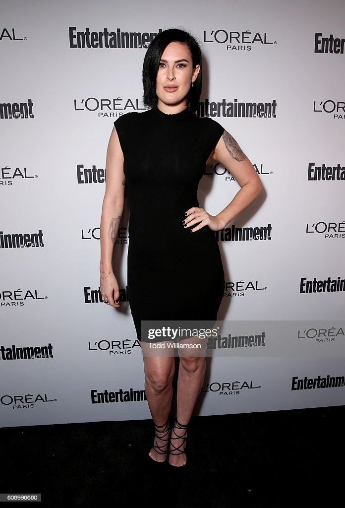 actress-rumer-willis-attends-the-2016-entertainment-weekly-preemmy-picture-id606996660