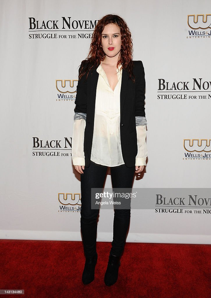 Actress <a gi-track='captionPersonalityLinkClicked' href=/galleries/search?phrase=Rumer+Willis&family=editorial&specificpeople=617003 ng-click='$event.stopPropagation()'>Rumer Willis</a> attends the 'Black November' screening on April 18, 2012 in Beverly Hills, California.