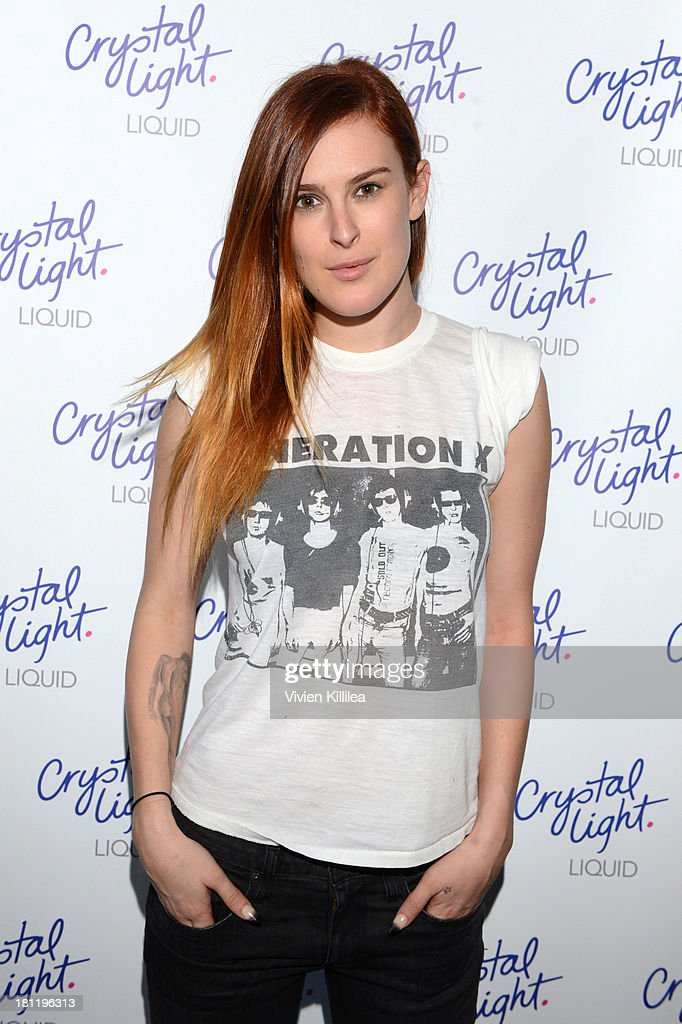 Actress <a gi-track='captionPersonalityLinkClicked' href=/galleries/search?phrase=Rumer+Willis&family=editorial&specificpeople=617003 ng-click='$event.stopPropagation()'>Rumer Willis</a> stops by Crystal Light Liquid as they toast the Emmys at Kari Feinstein's Pre-Emmy Style Lounge at the Andaz Hotel on September 19, 2013 in Los Angeles, California.