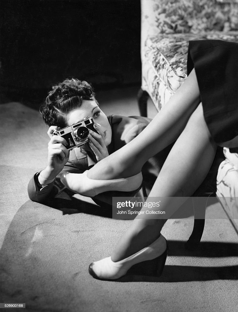 Actress Ruth Hussey as photographer Elizabeth Imbrie in the 1940 film The Philadelphia Story