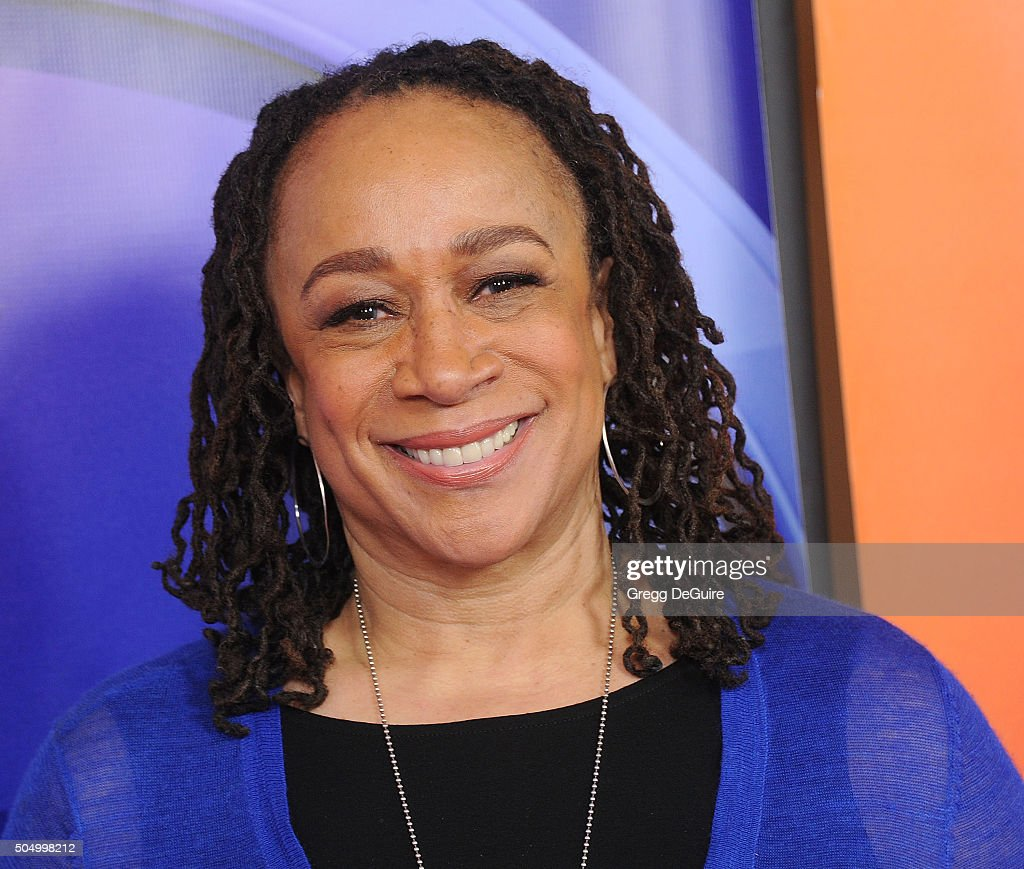Actress S Epatha Merkerson arrives at the 2016 NBCUniversal Winter TCA Press Tour at Langham Hotel on January 13 2016 in Pasadena California