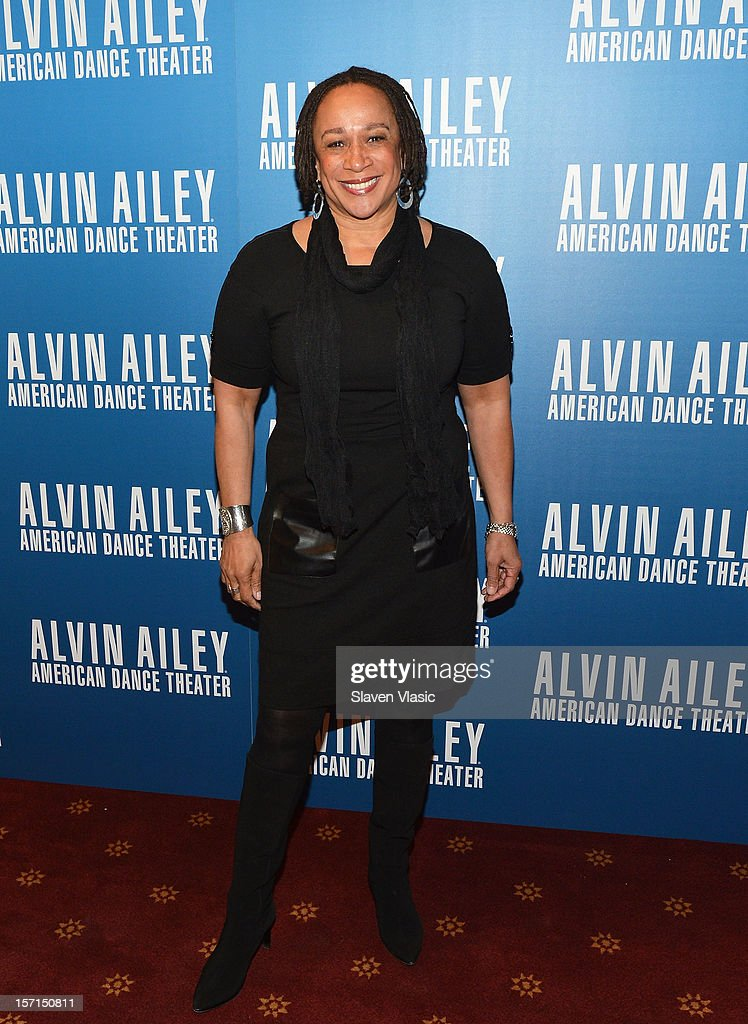 Actress S. Epatha Merkerson attends the Alvin Ailey American Dance Theater Opening Night Gala at New York City Center on November 28, 2012 in New York City.