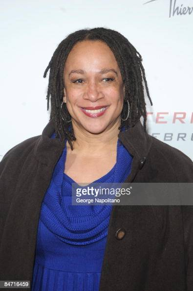 Actress S Epatha Merkerson attends the Cinema Society and Angel by Thierry Mugler screening of 'The International' at AMC Lincoln Square on February...