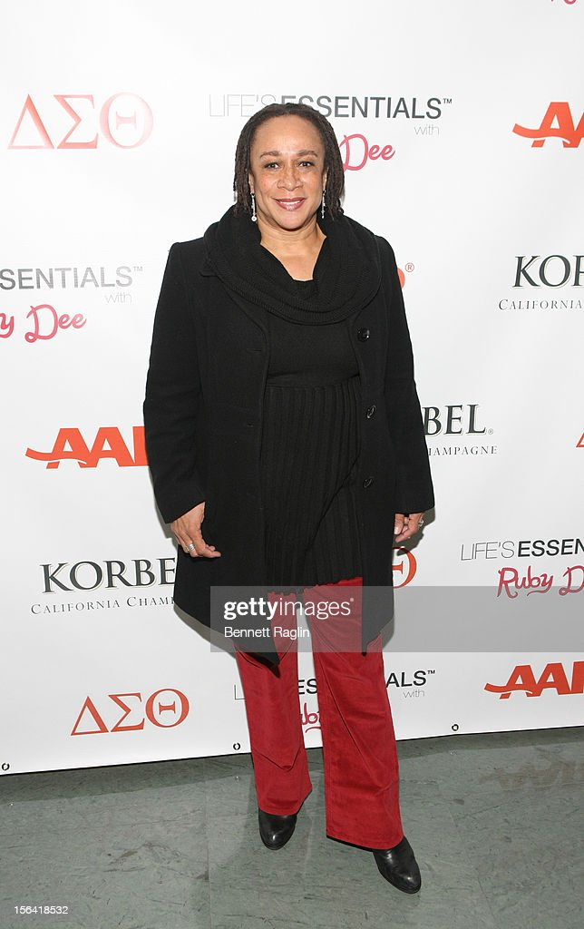 Actress S Epatha Merkerson attends the 'Life's Essentials With Ruby Dee' screening at The Schomburg Center for Research in Black Culture on November...