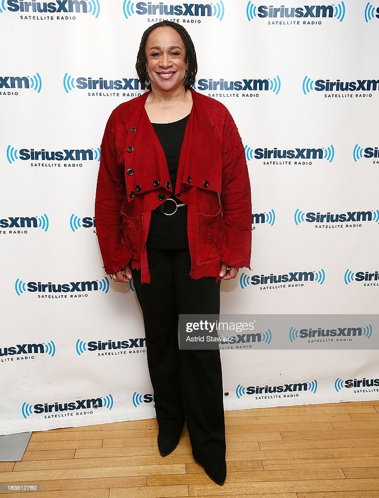 Actress S. Epatha Merkerson visits the SiriusXM studios on March 11, 2013 in New York City.
