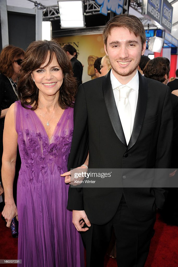 Actress <a gi-track='captionPersonalityLinkClicked' href=/galleries/search?phrase=Sally+Field&family=editorial&specificpeople=206350 ng-click='$event.stopPropagation()'>Sally Field</a> and son, Sam Greisman attends the 19th Annual Screen Actors Guild Awards at The Shrine Auditorium on January 27, 2013 in Los Angeles, California. (Photo by Kevin Winter/WireImage) 23116_017_0657.JPG
