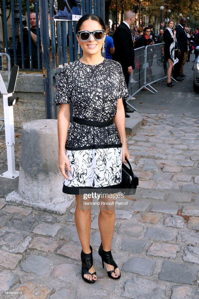 Actress <a gi-track='captionPersonalityLinkClicked' href=/galleries/search?phrase=Salma+Hayek&family=editorial&specificpeople=201844 ng-click='$event.stopPropagation()'>Salma Hayek</a> arrives at Balenciaga show as part of the Paris Fashion Week Womenswear Spring/Summer 2014, on September 26, 2013 in Paris, France.