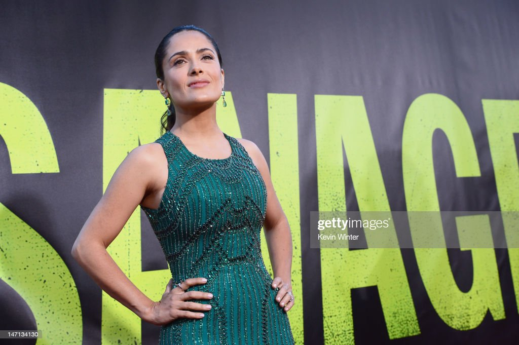 Actress <a gi-track='captionPersonalityLinkClicked' href=/galleries/search?phrase=Salma+Hayek&family=editorial&specificpeople=201844 ng-click='$event.stopPropagation()'>Salma Hayek</a> arrives at Premiere of Universal Pictures' 'Savages' at Westwood Village on June 25, 2012 in Los Angeles, California.