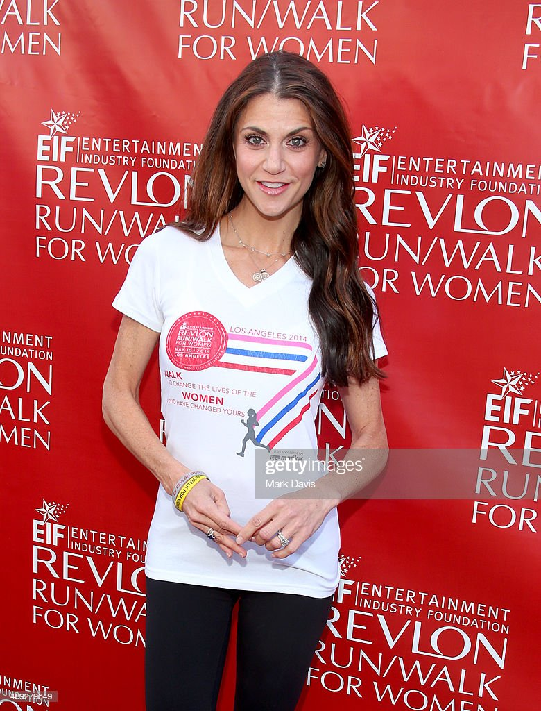 Actress Samantha Harris attends the 21st Annual EIF Revlon Run Walk For Women at Los Angeles Memorial Coliseum on May 10, 2014 in Los Angeles, California.