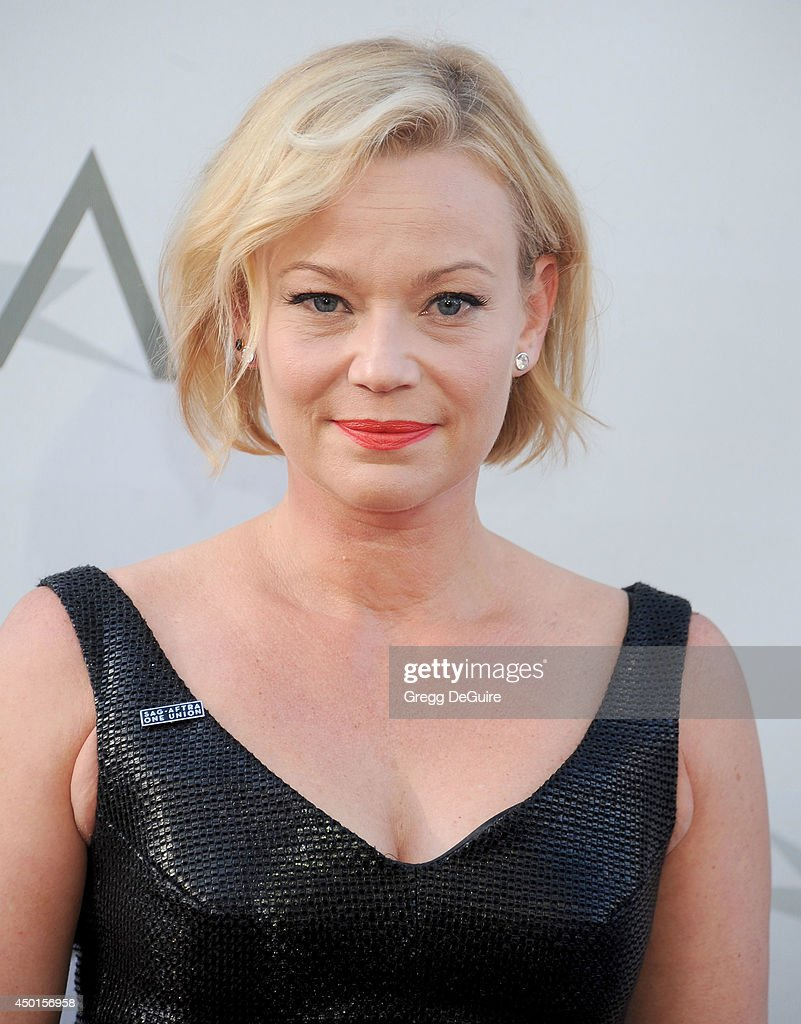 Actress <a gi-track='captionPersonalityLinkClicked' href=/galleries/search?phrase=Samantha+Mathis&family=editorial&specificpeople=213487 ng-click='$event.stopPropagation()'>Samantha Mathis</a> arrives at the 2014 AFI Life Achievement Award Gala Tribute at Dolby Theatre on June 5, 2014 in Hollywood, California.