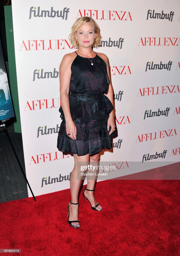 Actress <a gi-track='captionPersonalityLinkClicked' href=/galleries/search?phrase=Samantha+Mathis&family=editorial&specificpeople=213487 ng-click='$event.stopPropagation()'>Samantha Mathis</a> attends the 'Affluenza' premiere at SVA Theater on July 9, 2014 in New York City.