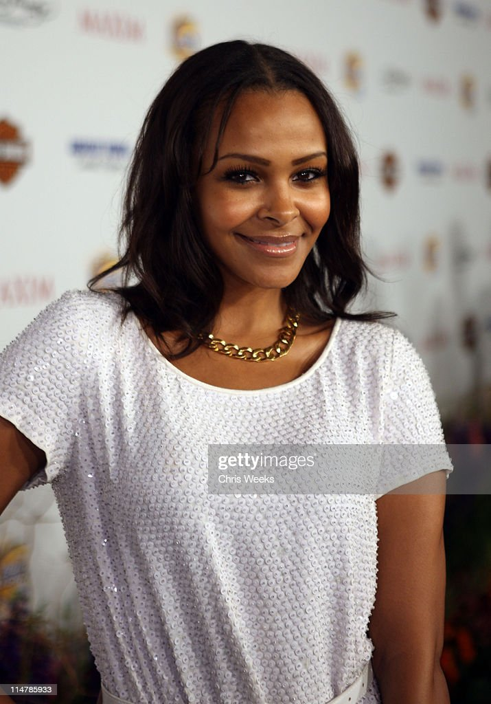 Actress <a gi-track='captionPersonalityLinkClicked' href=/galleries/search?phrase=Samantha+Mumba&family=editorial&specificpeople=204750 ng-click='$event.stopPropagation()'>Samantha Mumba</a> arrives at the 11th annual Maxim Hot 100 Party with Harley-Davidson, ABSOLUT VODKA, Ed Hardy Fragrances, and ROGAINE held at Paramount Studios on May 19, 2010 in Los Angeles, California.