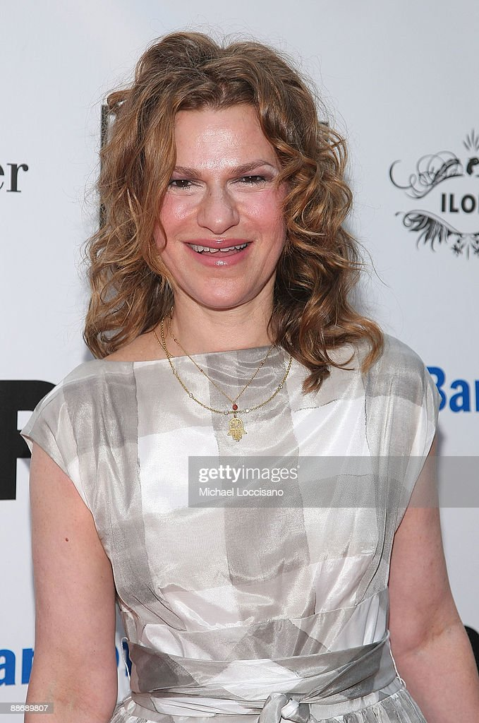 Actress Sandra Bernhard attends the 2009 Shakespeare in the Park opening night gala performance of 'Twelfth Night' at the Delacorte Theater on June 25, 2009 in New York City.