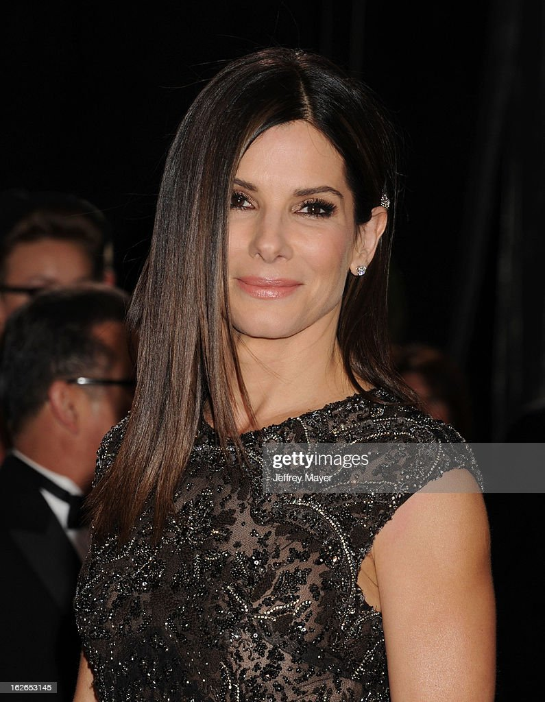 Actress Sandra Bullock arrives at the 85th Annual Academy Awards at Hollywood & Highland Center on February 24, 2013 in Hollywood, California.
