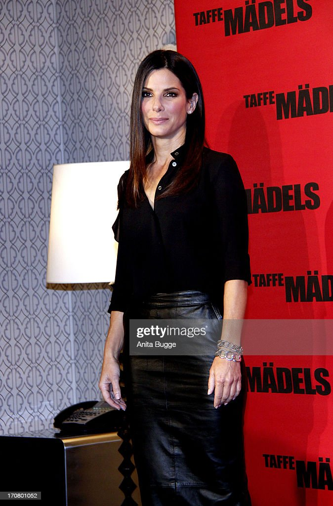 Actress Sandra Bullock attends a 'Taffe Maedels' photocall at Hotel De Rome on June 18, 2013 in Berlin, Germany.