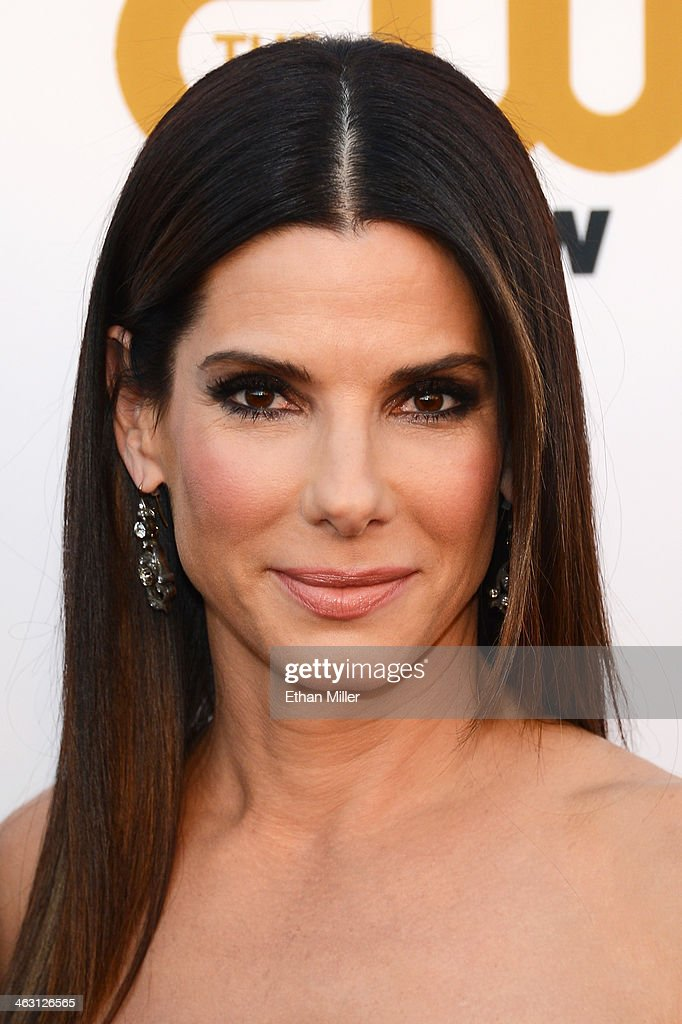 Actress <a gi-track='captionPersonalityLinkClicked' href=/galleries/search?phrase=Sandra+Bullock&family=editorial&specificpeople=202248 ng-click='$event.stopPropagation()'>Sandra Bullock</a> attends the 19th Annual Critics' Choice Movie Awards at Barker Hangar on January 16, 2014 in Santa Monica, California.