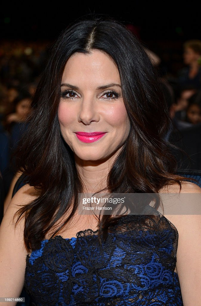Actress <a gi-track='captionPersonalityLinkClicked' href=/galleries/search?phrase=Sandra+Bullock&family=editorial&specificpeople=202248 ng-click='$event.stopPropagation()'>Sandra Bullock</a> attends the 39th Annual People's Choice Awards at Nokia Theatre L.A. Live on January 9, 2013 in Los Angeles, California.