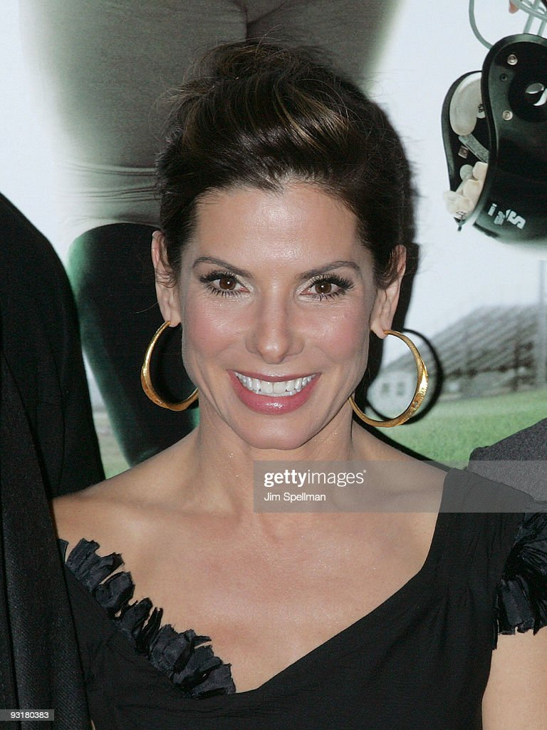 Actress Sandra Bullock attends 'The Blind Side' premiere at the Ziegfeld Theatre on November 17, 2009 in New York City.