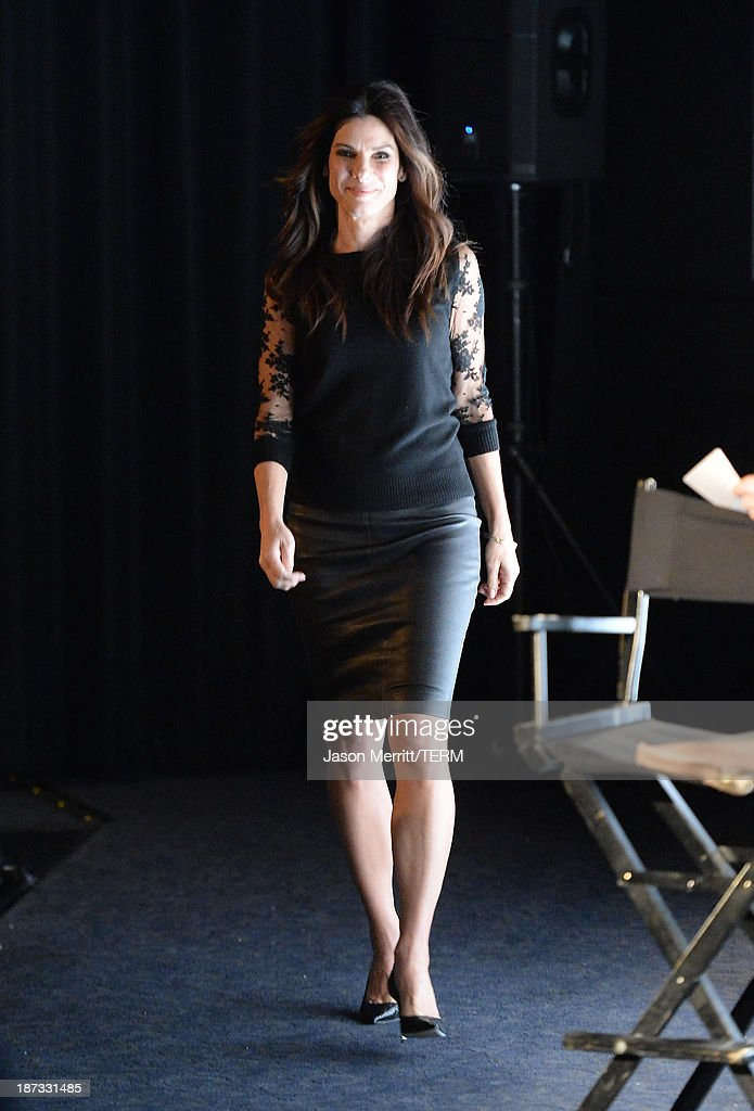 Actress Sandra Bullock attends the L.A. Times Envelope Screening Series and Q&A of 'Gravity' at ArcLight Sherman Oaks on November 7, 2013 in Sherman Oaks, California.