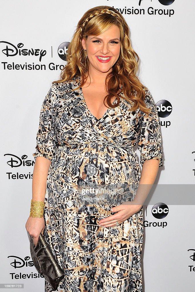 Actress Sara Rue arrives at Disney ABC Television's red carpet gala at the Langham Huntington Hotel and Spa on January 10, 2013 in Pasadena, California.