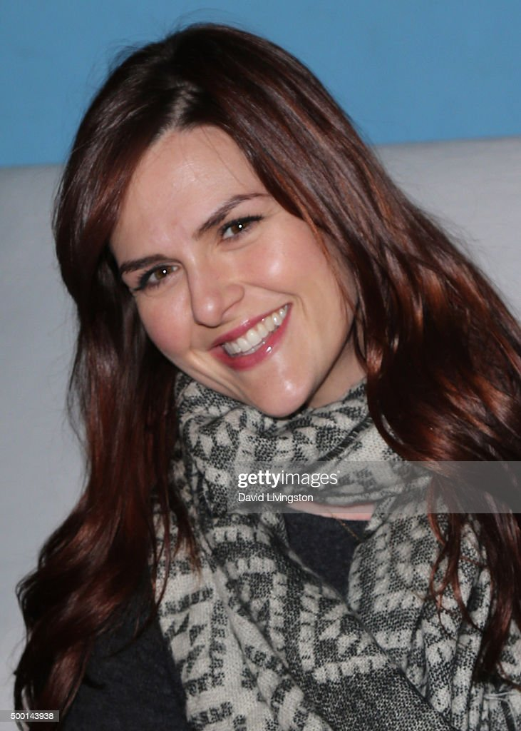 Actress Sara Rue attends Knott's Berry Farm's Countdown To Christmas And Snoopy's Merriest Tree Lighting at Knott's Berry Farm on December 5 2015 in...