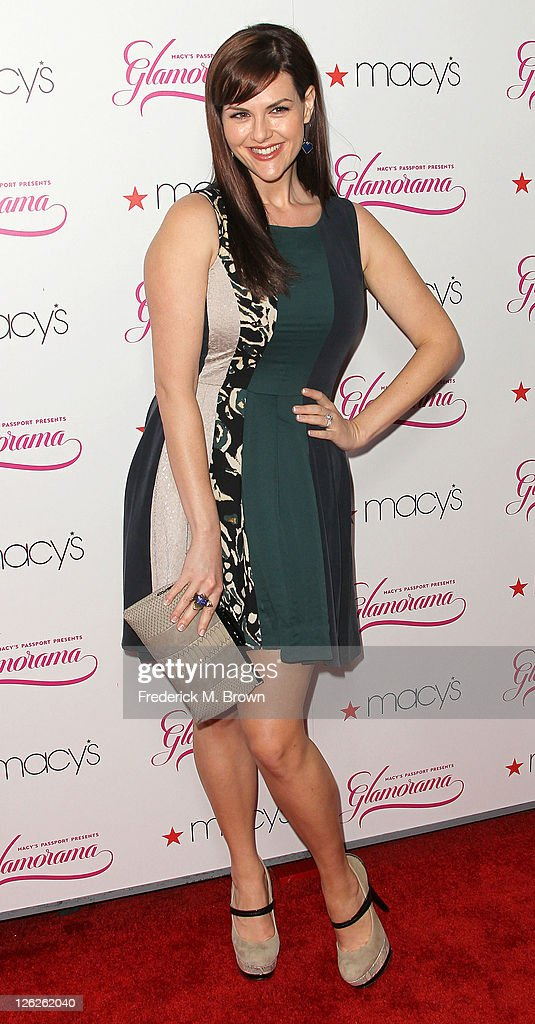 Actress Sara Rue attends the 29th Annual Macy's Passport Presents Glamorama 2011 at The Orpheum Theatre on September 23, 2011 in Los Angeles, California.