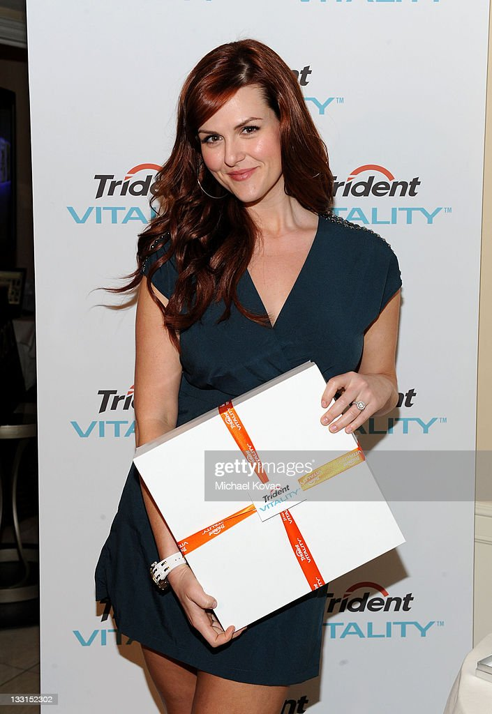 Actress Sara Rue attends the EXTRA Luxury Lounge In Honor Of 83rd Annual Academy Awards day 1 held at the Four Seasons Hotel Los Angeles at Beverly Hills on February 25, 2011 in Beverly Hills, California.