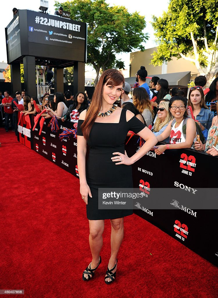 Actress <a gi-track='captionPersonalityLinkClicked' href=/galleries/search?phrase=Sara+Rue&family=editorial&specificpeople=203287 ng-click='$event.stopPropagation()'>Sara Rue</a> attends the Premiere Of Columbia Pictures' '22 Jump Street' at Regency Village Theatre on June 10, 2014 in Westwood, California.