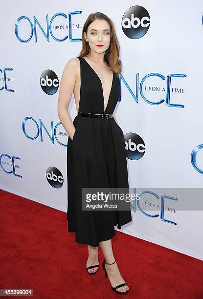 Actress Sarah Bolger attends ABC's 'Once Upon A Time' Season 4 red carpet premiere at the El Capitan Theatre on September 21 2014 in Hollywood...