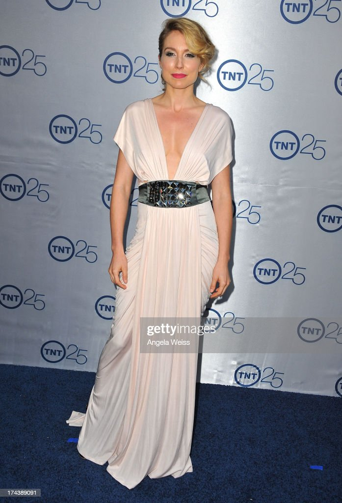 Actress Sarah Carter attends TNT's 25th Anniversary Partyat The Beverly Hilton Hotel on July 24, 2013 in Beverly Hills, California.