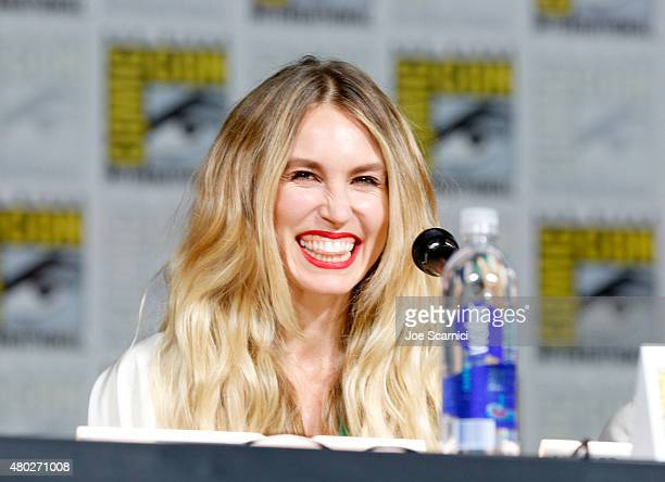 Actress Sarah Carter speaks onstage at the 'Falling Skies' panel during TNT at ComicCon International San Diego 2015 on July 10 2015 in San Diego...