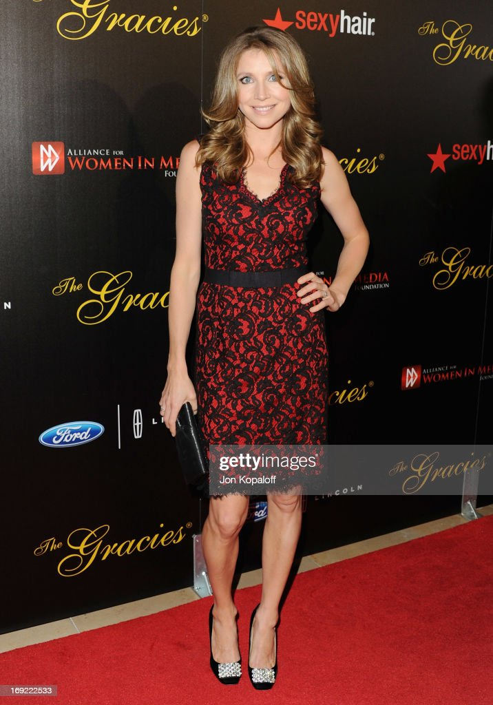 Actress Sarah Chalke arrives 38th Annual Gracie Awards Gala at The Beverly Hilton Hotel on May 21, 2013 in Beverly Hills, California.
