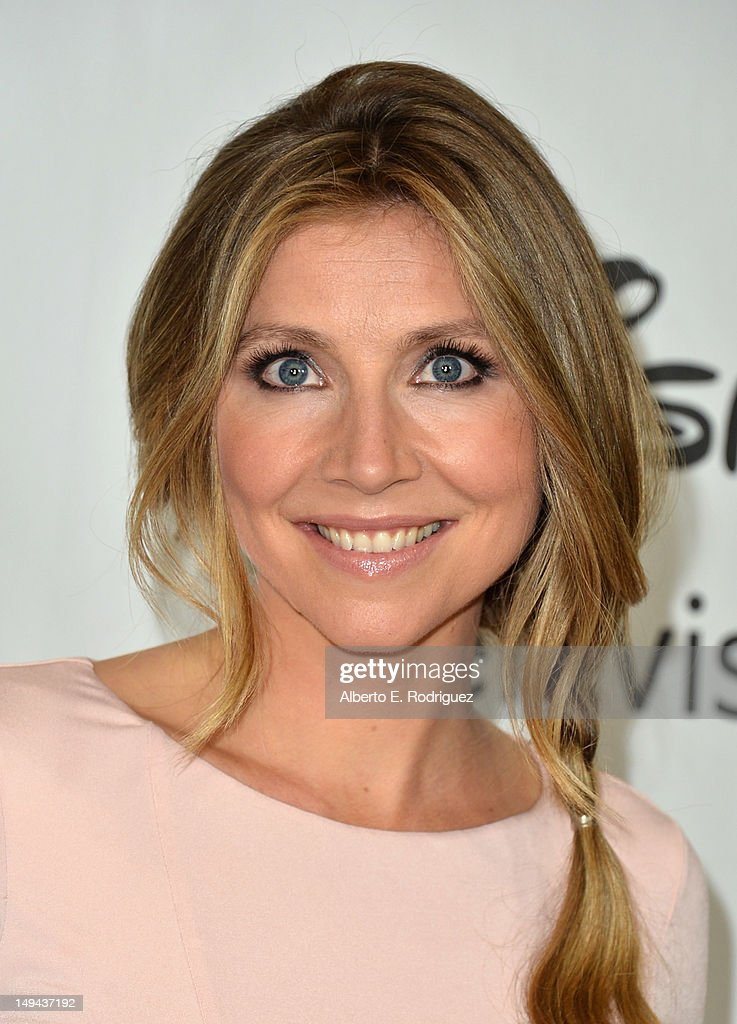 Actress Sarah Chalke arrives to the Disney ABC Television Group's 2012 'TCA Summer Press Tour' on July 27, 2012 in Beverly Hills, California.