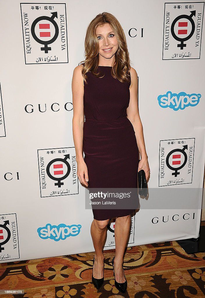 Actress <a gi-track='captionPersonalityLinkClicked' href=/galleries/search?phrase=Sarah+Chalke&family=editorial&specificpeople=213213 ng-click='$event.stopPropagation()'>Sarah Chalke</a> attends the 'Make Equality Reality' event at Montage Beverly Hills on November 4, 2013 in Beverly Hills, California.